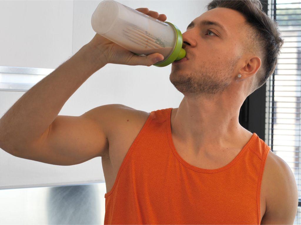 אחת ולתמיד: כמה חלבון עלינו לצרוך ביום?