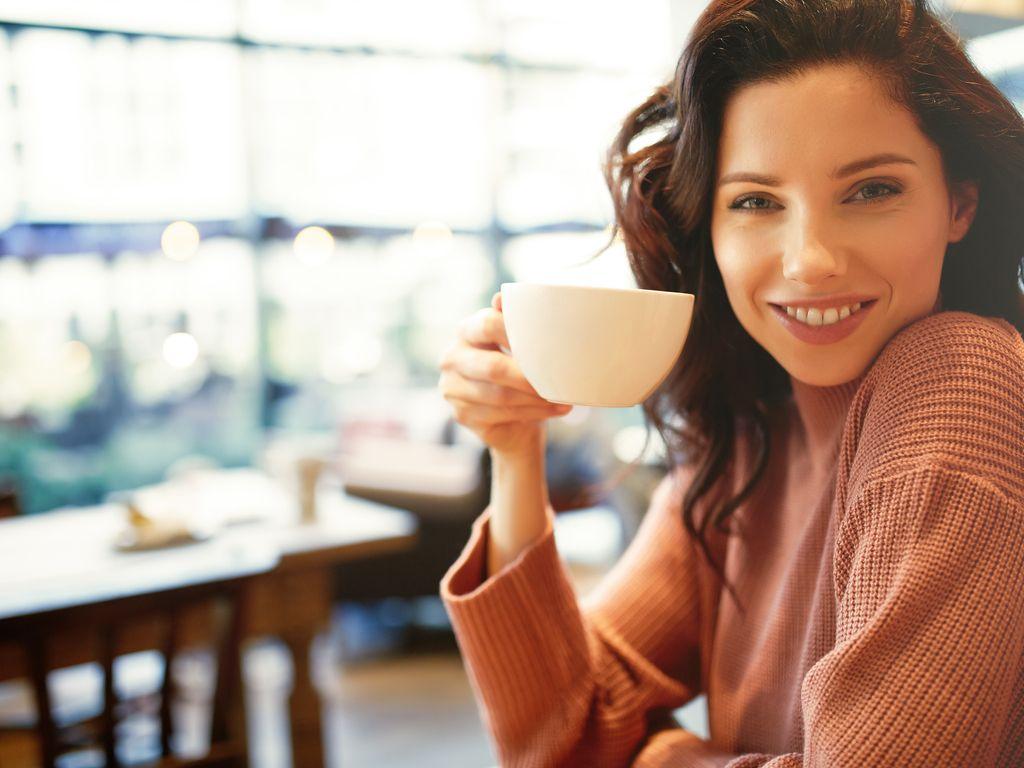 משדרגים את הבוקר: 5 המלצות לבוקר בריא ללא קפה