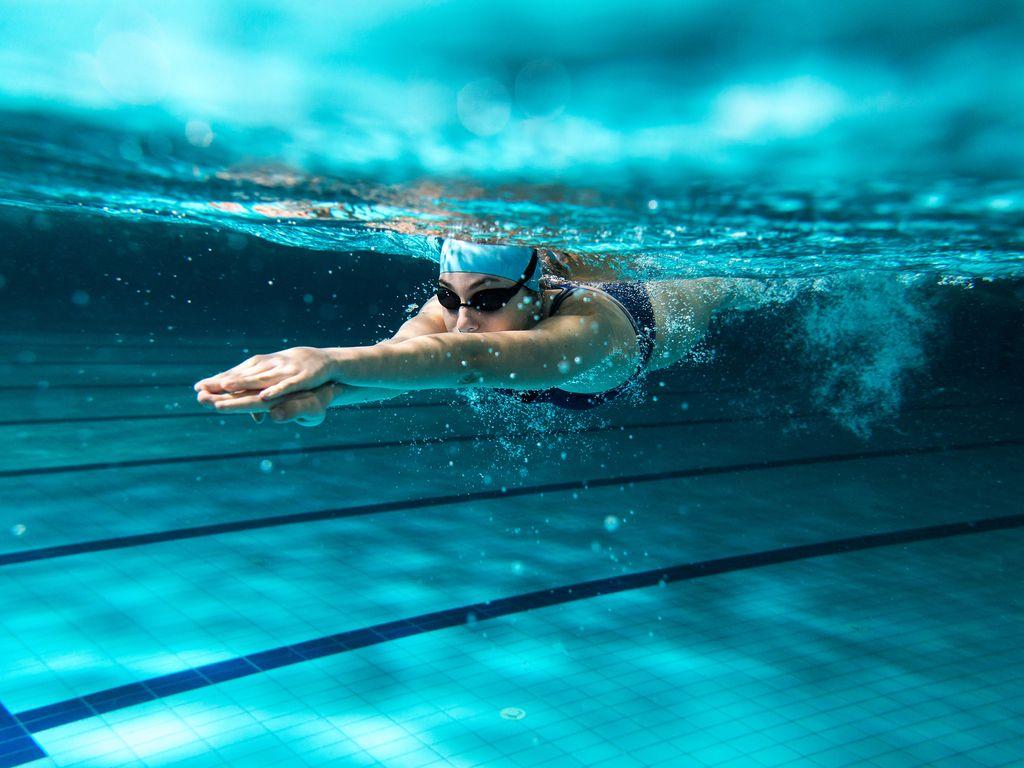 כיצד להעלות את ביצועי השחייה