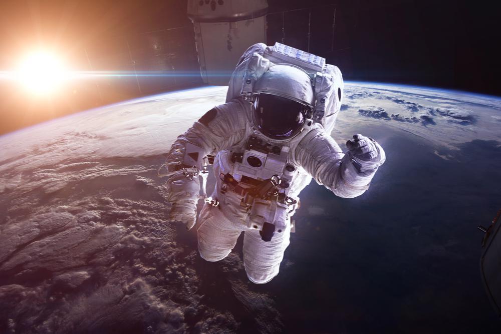 """חוקרי נאס""""א: צריכה קבועה של אסטקסנטין יכולה לשמור על בריאות האסטרונאוטים בחלל"""